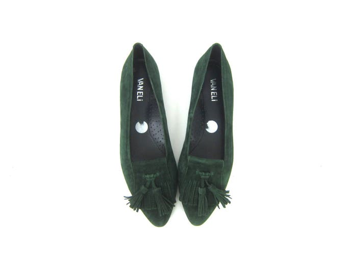 80s Green Leather Shoes Vintage Suede Slip Ons Leather Sandals Pointy Boho Flats Preppy Tassel Shoes Street Wear Womens Size 7.5 N Narrow