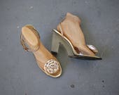 vintage qualicraft lucite heels / 1970s wedge sandals / 1970s gold lucite heels / 70s clear gold block heel / 4 inch heel  / size 10