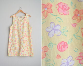 Size M // FLORAL POCKET JUMPER // Light Yellow - Sleeveless Pinafore - Patch Pockets - Oversized Dress - Vintage '90s.