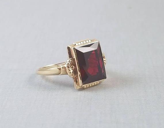Vintage Art Deco 10K gold synthetic ruby ring, size 6, signed Metzler Manufacturing Co