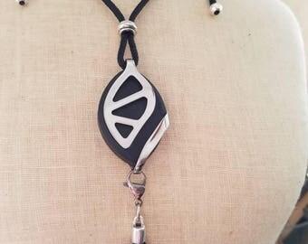 Bella Beat Leaf Urban Accessory - Tassel long necklace