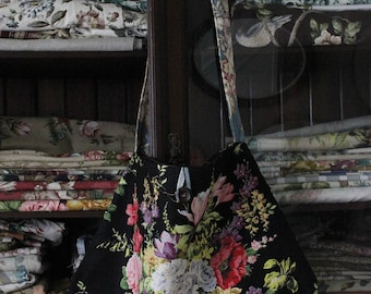 PIREVII . Meandering Bag . From the 'Curated Prints' collection