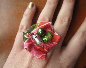 Adjustable Ring Fabric and Glass Beads Pink and Green Flower