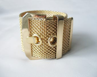 Belt Buckle Bracelet, Gold Mesh, Wide, Statement jewelry, 1970s Vintage, Gold Plated, Large Buckle, Shiny Finish