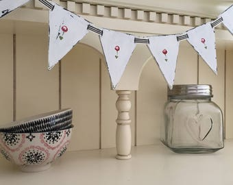Wooden flower bunting - painted distressed