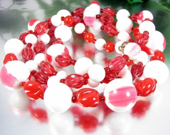 Vintage Red White Lucite Bead Necklace Mod Plastic Cherry Juice Nougat Beads