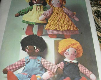 Vintage Simplicity Sewing Pattern - Rag dolls, Boys and Girls -   1975 -  #7247