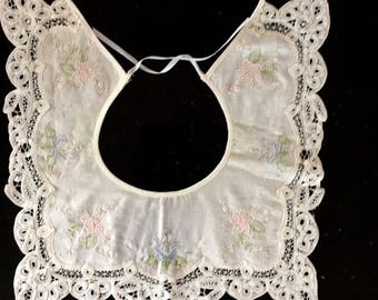 Vintage White EMBROIDERED Floral Cotton LACE Collar Bib / 80s PASTEL Floral Square Collar