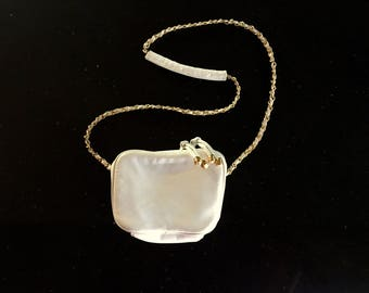 Vintage White And GOLD Purse / 80s 90s White And Gold Chain Link Strap Handbag / Small White Crossbody Bag
