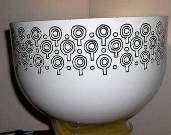 Vefa Epicure Enamelware Merrill Ames, Made in Germany LollyPop Tree Bowl