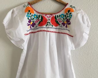 Vintage Girls' Puebla Embroidered Mexican Puff Sleeve Blouse