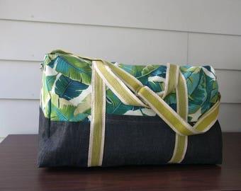 Adventurer overnight duffel bag in Palm Springs