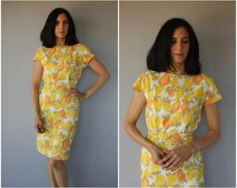 1960s Novelty Print Dress | Vintage 1960s Dress | 60s Dress | 50s Wiggle Dress | 1960s Wiggle Dress | 60s Fruit Print Dress (small)
