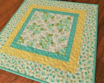 Daisy Table Topper in Aqua Yellow and Gray, Quilted Square Table Mat, Quilted Flower Tablecloth, Quilted Table Runner, Small Table Quilt