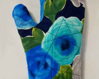 Quilted Oven Mitt - Marilyn in Navy - Oven Glove - Potholder - Handcrafted - Ready To Ship