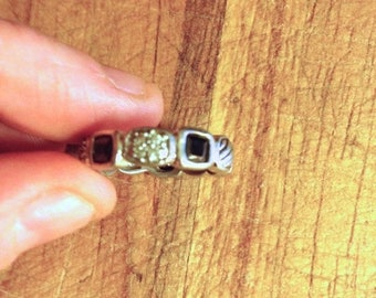 SUMMER SALE Jewelry. Vintage. Rhinestone silver Metal Band Ring // Size  6