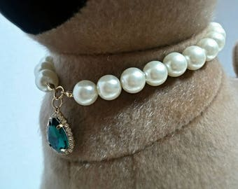 Paws fashion faux green gemstone and pearls necklace collar accessory for your pet, size xtra small, small or medium