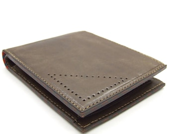 Brown leather wallet with coin pocket, three card slots and notes pocket