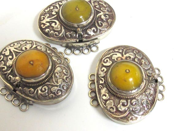 1 clasp - Large size ethnic Tibetan silver copal resin inlaid statement box clasp pendant  from Nepal - LN038