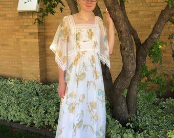 70s White Floral Dress Lace Print Full Long Vintage S