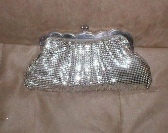 Vintage WHITING & DAVIS Silver Metal Mesh Clutch Purse