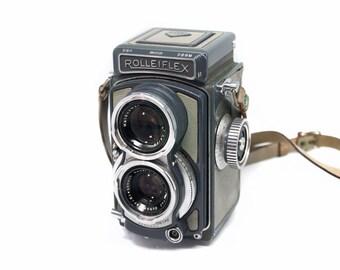 Rolleiflex Baby 4x4 TLR film camera with hard case, working