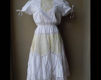 70% ON SALE 80s White & off white crochet lace dress with some stain Bust 36 Waist up to 30  Hip 38