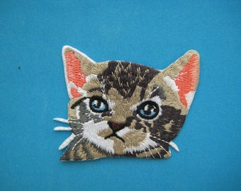 So Cute~ Iron-on Embroidered Patch Cat 3 inch