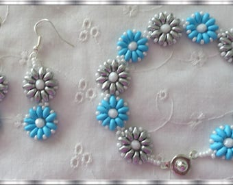 Beaded Bracelet and Pierced Earring set, done in Turquoise and Silver Super Duo Beads