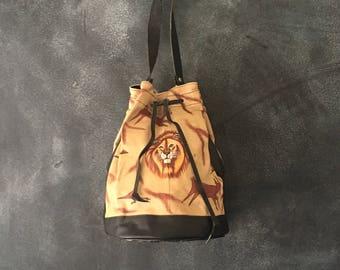 80s 90s Drawstring Bucket Bag Painted Lion Tribal Ethnic Safari Cross Body Hipster Leather Bag