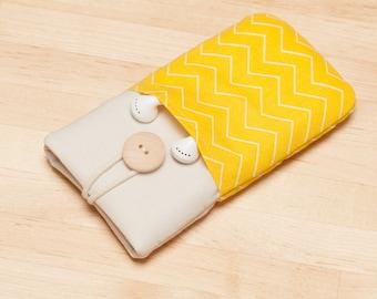 iPhone SE sleeve / iPhone 8 sleeve / iPhone X cover  / iphone 8 case / fabric iphone 5 case - Yellow chevron
