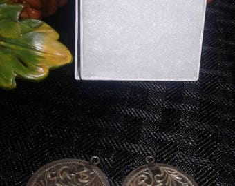 Silver pendants x2 gift boxed