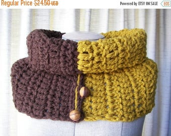 SALE Textured Hand Knit COWL in BROWN Wood Mustard vegan Acrylic