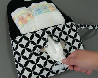 Diaper & Wipe Clutch in Black White Geometric Fabric, Mini Diaper Bag, Diaper Clutch, Nappy Case, Travel Small Diaper Bag, Mini Nappy Bag