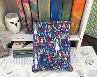 MAXI BOOK SLEEVE- Alice in Wonderland - Book Pouch, Book Protector