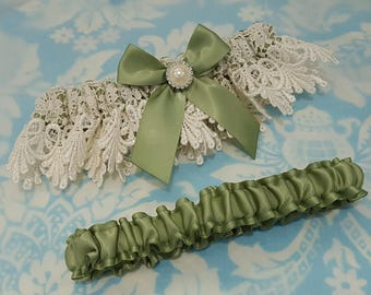 Wedding Garter set -  Spring Moss  and ivory - guipure - Venice Lace - exquiste lace - venise - olive - green - bridal garters - plus size