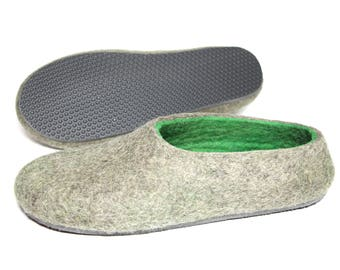 Mens House Slippers, Felted Green Slipper, Cold Feet, Wool Shoes, Sheep Wool Shoes, Indoor Outdoor Rubber Soles, Husband Gift, New Dad Gift
