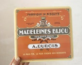 Vintage French biscuit tin / vintage french tin / biscuit box / french kitchen decor / rustic vintage decor / cake tin