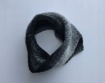 RDB: Hand Knit Ombré Black and White Cowl