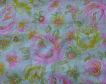 Pink and Yellow Floral Print Cotton Polyester Blend Fabric 1 1/2 Yards X0901 Clothing, Apparel, Summer Sewing