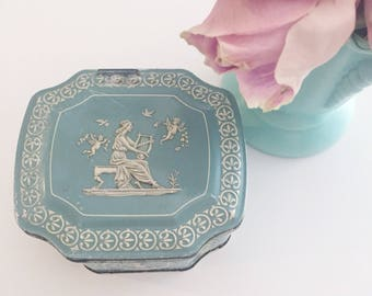 Shabby chic tin container