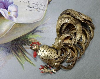 Vintage Gold Dimensional Rooster Pin Brooch    OEU4