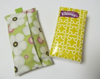 Tissue Case/White Flower