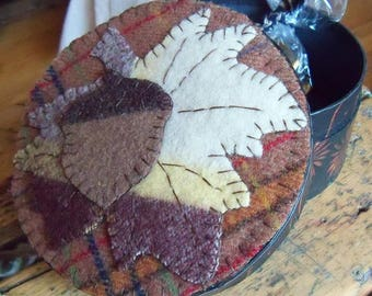 Autumn Paper Mache keepsake box with Felted Wool Penny Rug