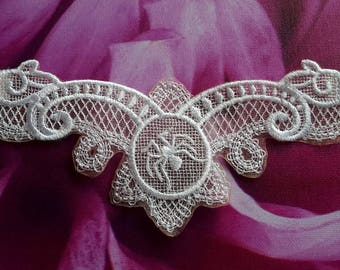 UK Gothic white lace choker, spider cameo, Halloween, Wedding