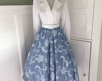 Vintage 1950s 1960s Womens Blue Floral High Waist Full Swing Skirt