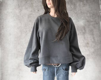 Sweatshirt crew neck - Big blouson sleeve - Pull over top - Active wear - Banded bottom fleece