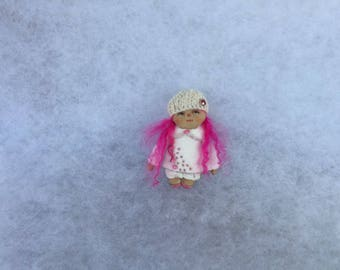 Primitive doll brooch,doll brooch,textile doll brooch,miniature doll brooch