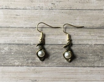 Antique gold calla lily earrings