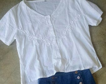 Vintage 80s 90s Sheer Boxy White Top Embroidery Lace Trim
